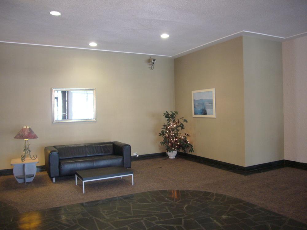 before-lobby-8-1