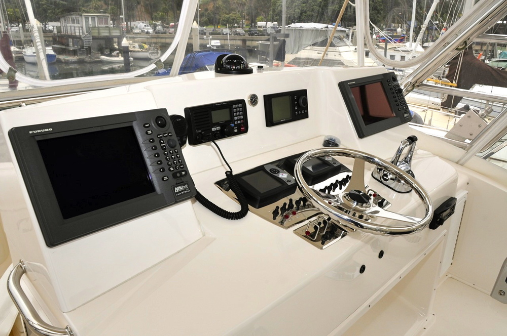 Cabo Yachts 35 Helm Console Example