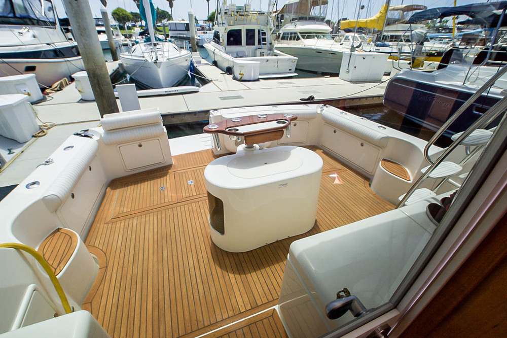 "47' Riviera ""EL CAZADOR"" For Sale by Kusler Yachts"