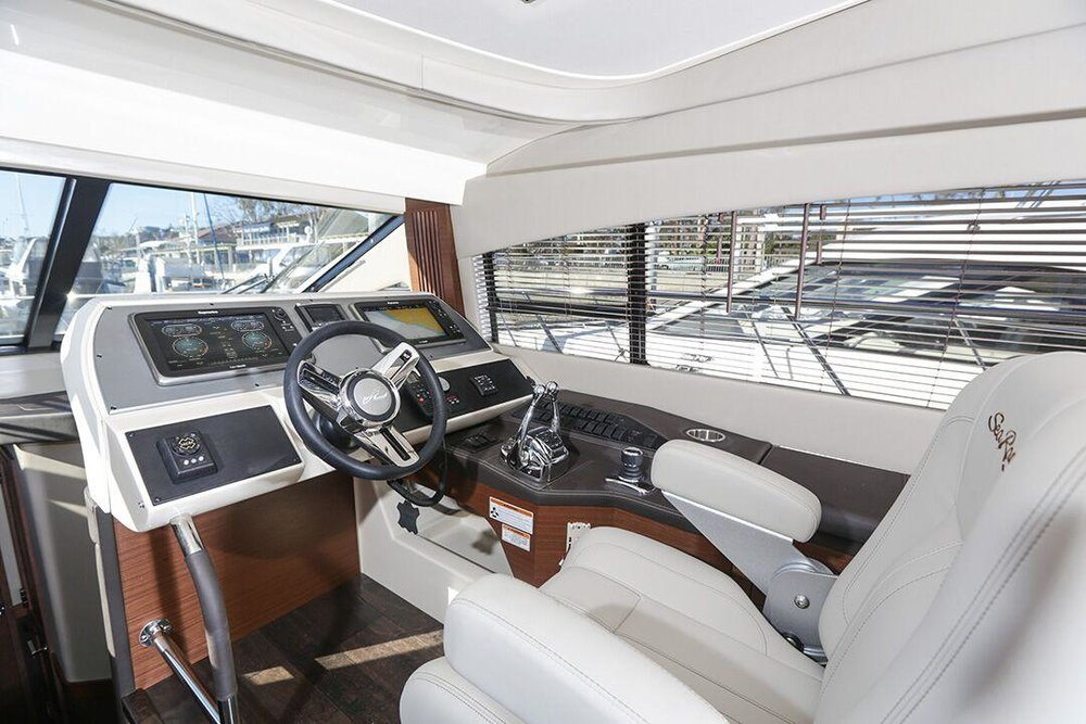 2016 Sea Ray 510 Fly Helm for sale by Kusler Yachts