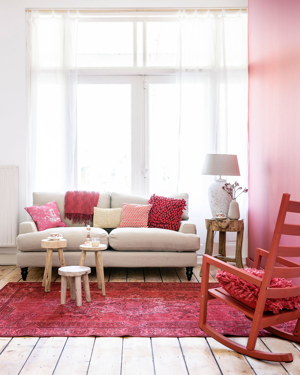 Red rooms done right! Check this out to see some beautiful red interiors.