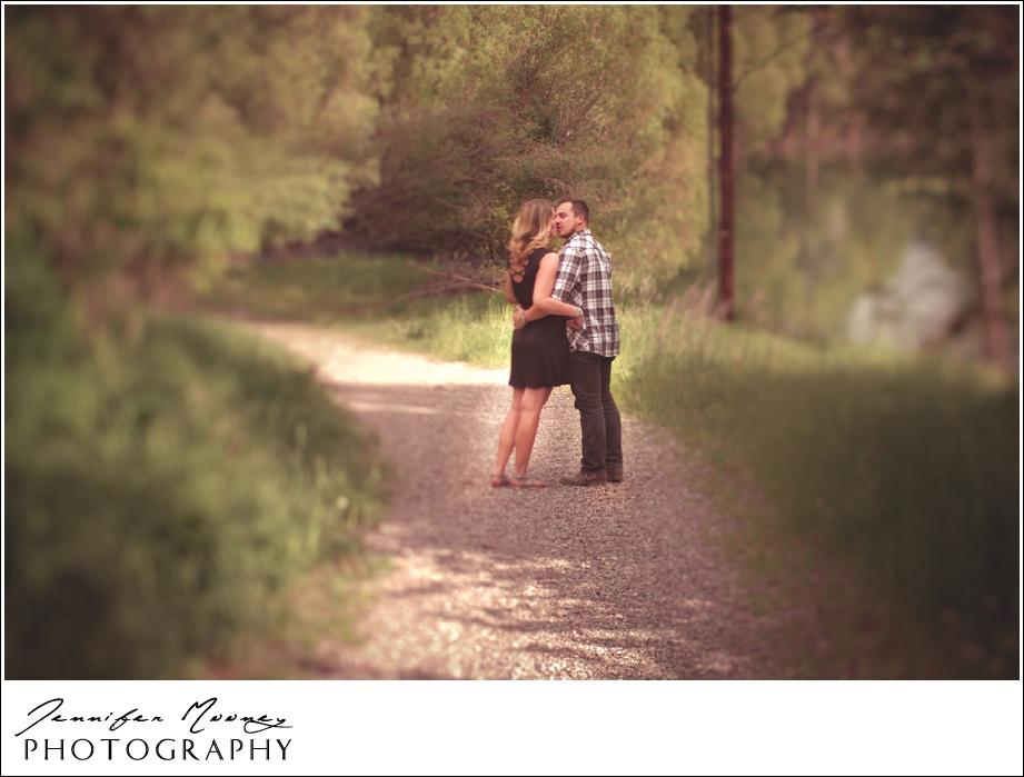 Jennifer_Mooney_Photography_flathead_engagment_session_romantic_familyJennifer_Mooney_Photo_engagement_schmidt_069.jpg