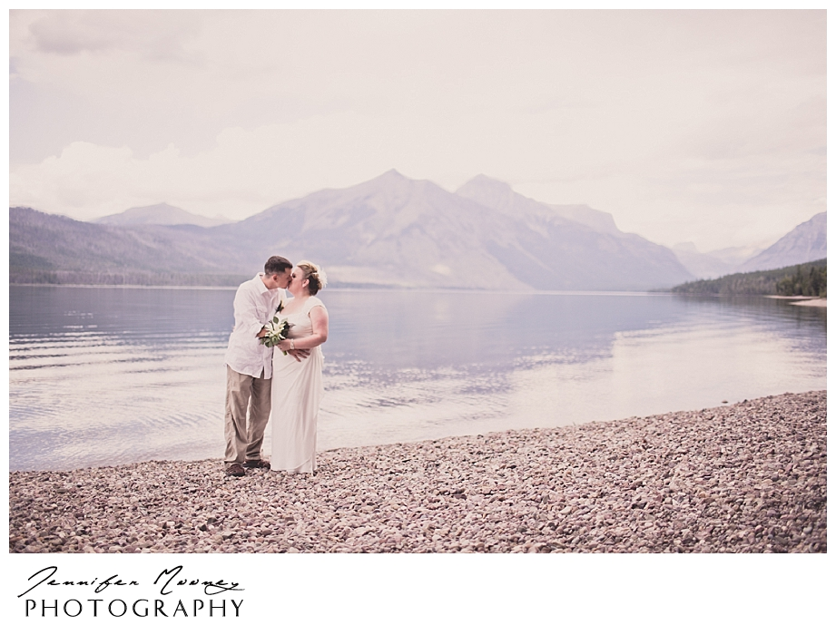 Jennifer_Mooney_Photo_wedding_glacier_national_park_vow_renewals_10_year_anniversary_porter_276.jpg