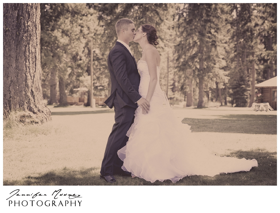 Jennifer_Mooney_Photo_wedding_seeley_lake_montana_vintage_fashion_romantic_images_131.jpg