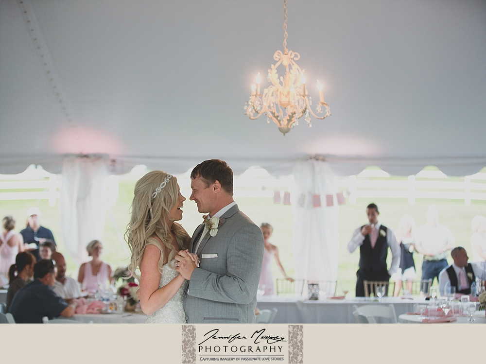 Jennifer_Mooney_Photo_gardner_hatton_ranch_classy_elegant_montana_wedding_00155.jpg