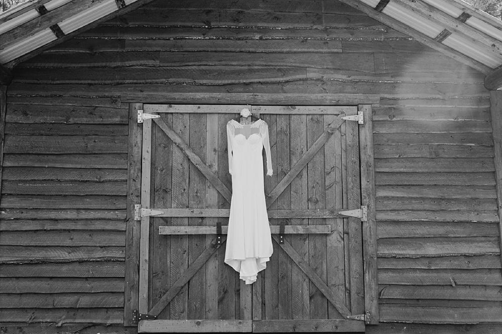 Jennifer_Mooney_Photo_glacier_park_wedding_Beargrass_florals_fall_wedding_elegant_montana_destination_velvet_bride_katie_may_dress_verona_gown_00003.jpg