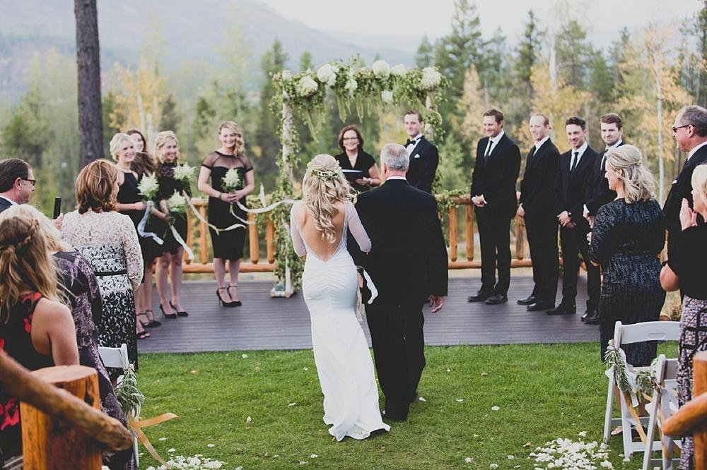 Jennifer_Mooney_Photo_glacier_park_wedding_Beargrass_florals_fall_wedding_elegant_montana_destination_velvet_bride_katie_may_dress_verona_gown_00076.jpg