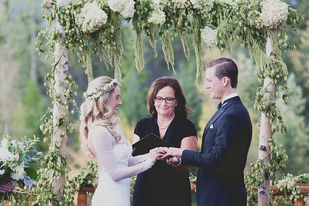 Jennifer_Mooney_Photo_glacier_park_wedding_Beargrass_florals_fall_wedding_elegant_montana_destination_velvet_bride_katie_may_dress_verona_gown_00088.jpg