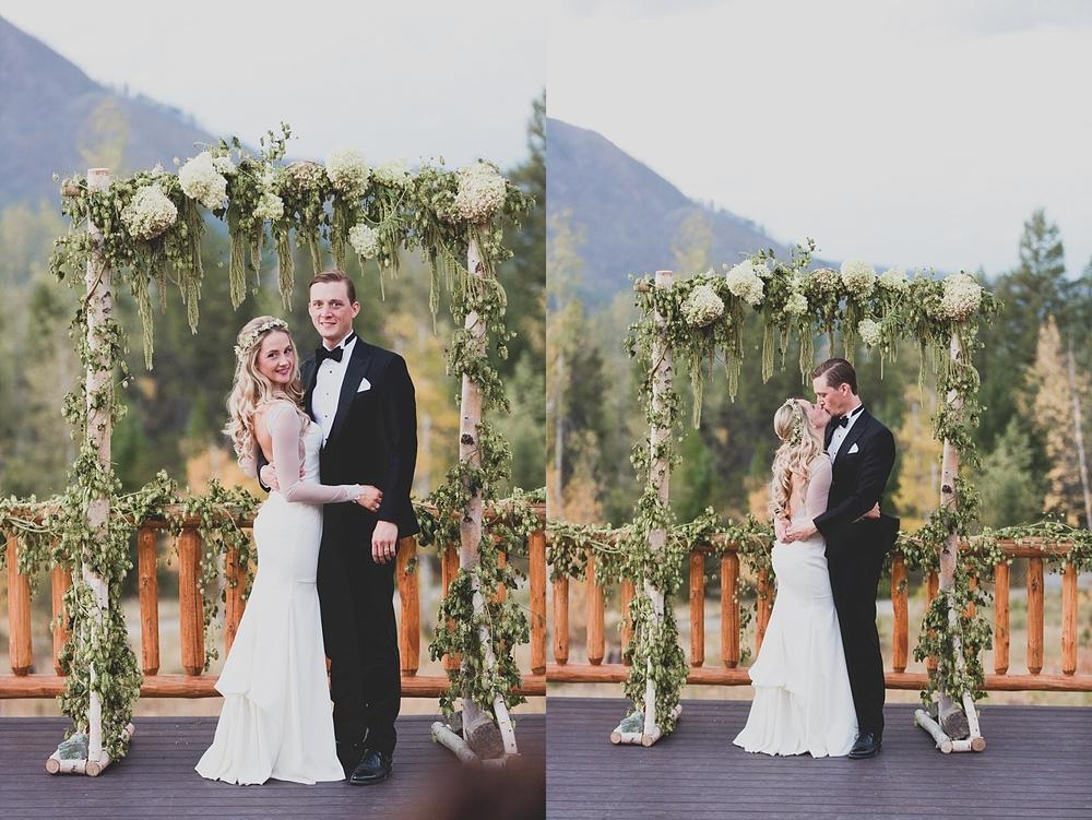 Jennifer_Mooney_Photo_glacier_park_wedding_Beargrass_florals_fall_wedding_elegant_montana_destination_velvet_bride_katie_may_dress_verona_gown_00115.jpg