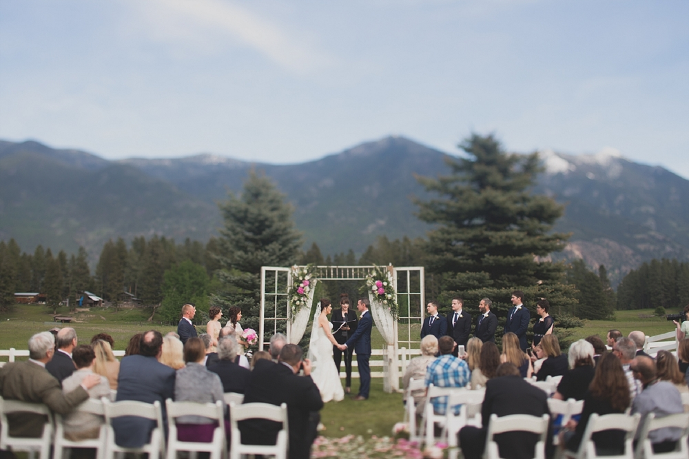 Jennifer_Mooney_Photo_Maggie_Ryan_Glacier_Mountain_Lodge_Spring_Wedding_Intimate_Elegance_Montana_00071.jpg
