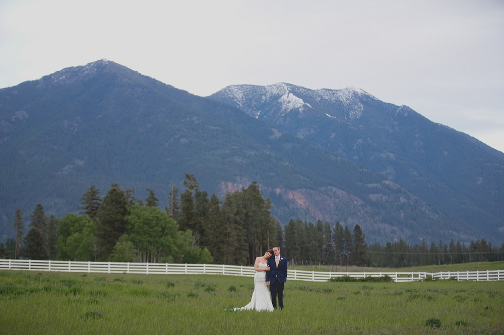 Jennifer_Mooney_Photo_Maggie_Ryan_Glacier_Mountain_Lodge_Spring_Wedding_Intimate_Elegance_Montana_00135.jpg