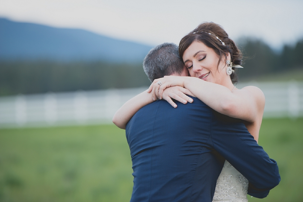 Jennifer_Mooney_Photo_Maggie_Ryan_Glacier_Mountain_Lodge_Spring_Wedding_Intimate_Elegance_Montana_00155.jpg