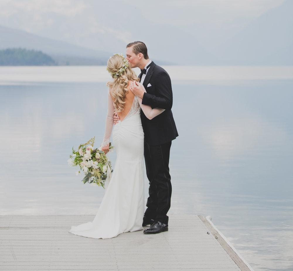 Jennifer_Moonye_Photo_Glacier_Outdoor_Center_Wedding_Photographer