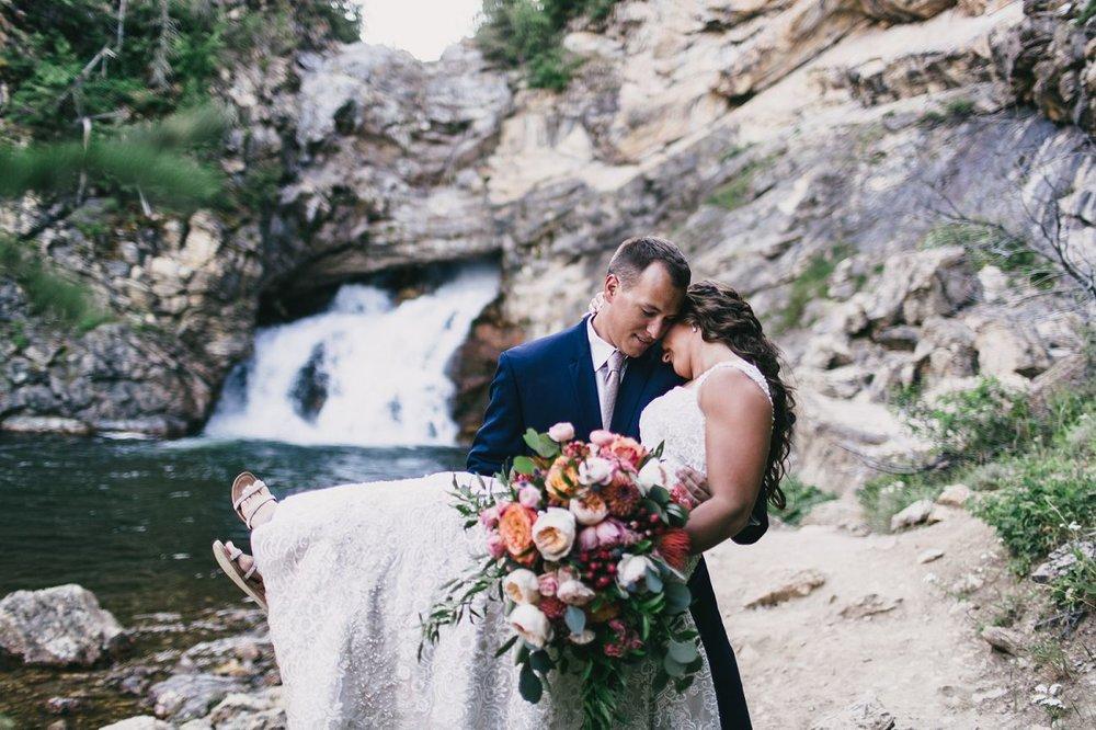 Jennifer_Mooney_Photo_Kelsey_Logan_East_Glacier_Wedding_00003.jpg