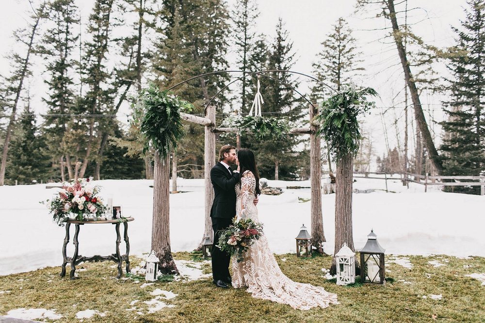 Jennifer_Mooney_Photography_Montana_45_Elegant_Winter_Wedding__020.jpg