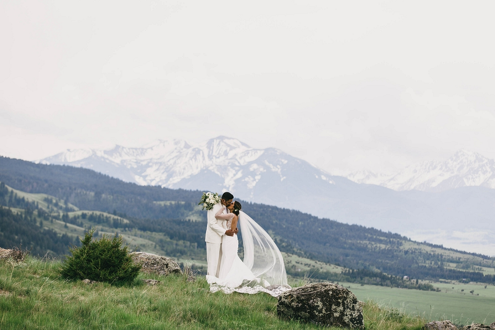 Jennifer_Mooney_Photography__Elegant_Bozeman_Montana_Wedding_072.jpg