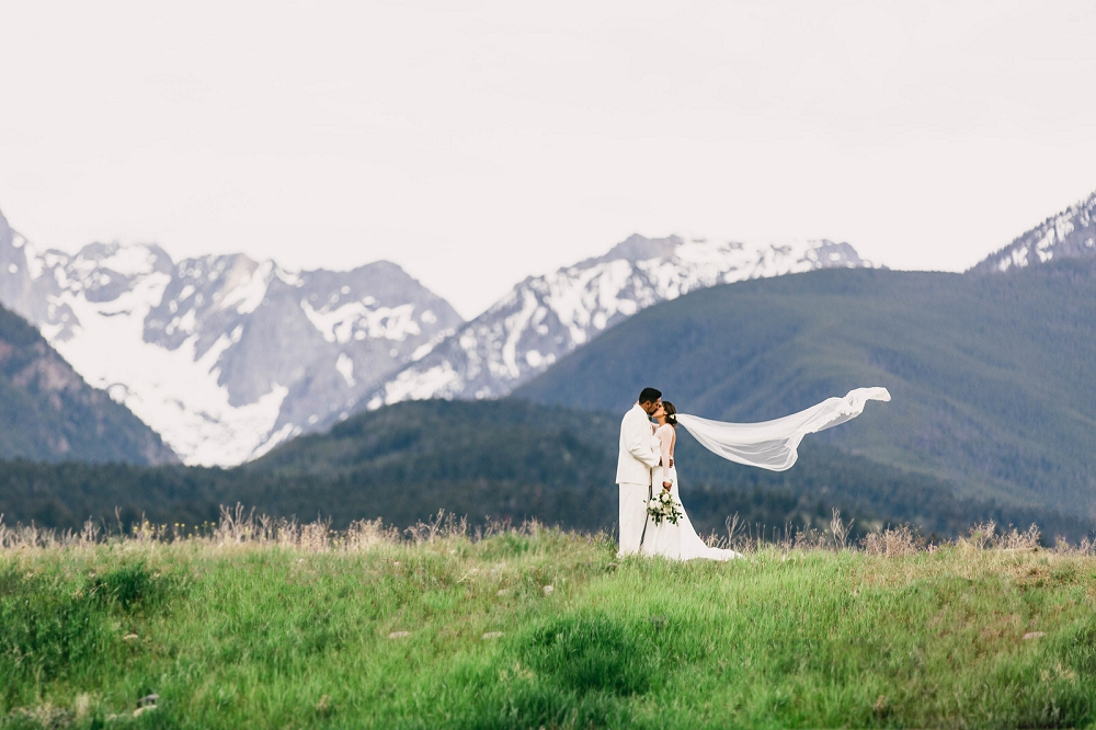 Jennifer_Mooney_Photography__Elegant_Bozeman_Montana_Wedding_108.jpg