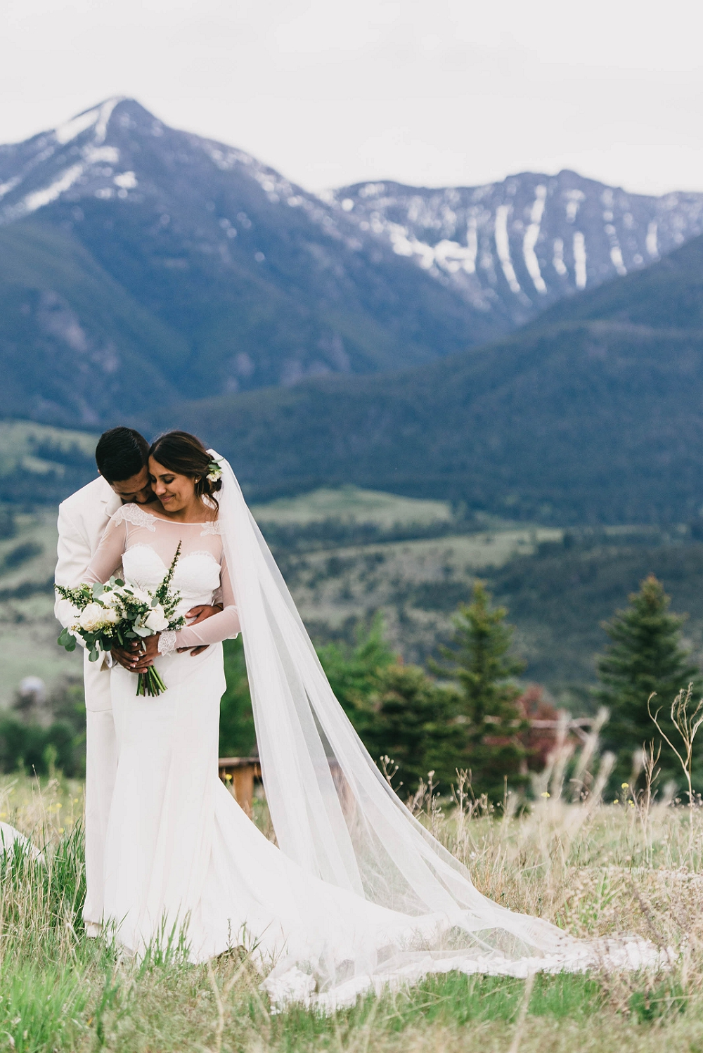 Jennifer_Mooney_Photography__Elegant_Bozeman_Montana_Wedding_109.jpg