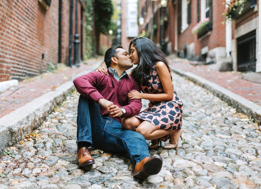 Boston_Wedding_Photographer_Acorn_Street-5.jpg