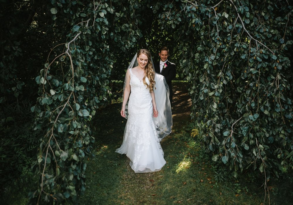 Glen_Magna_Farms_Wedding_Photographer-13.jpg