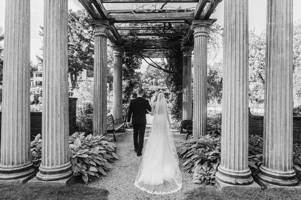 Glen_Magna_Farms_Wedding_Photographer-16.jpg