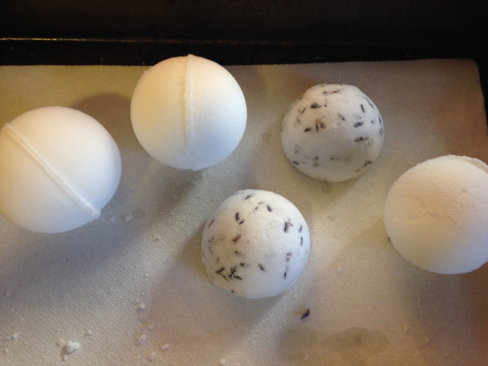 bath boms tray.jpg