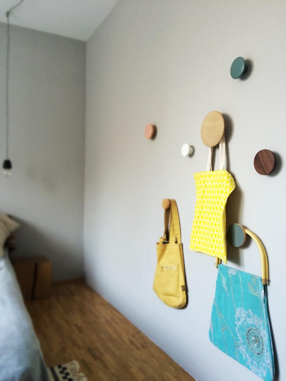 Ersetzen jedes Bild: Wandhaken von  Muuto  und  BoConcept