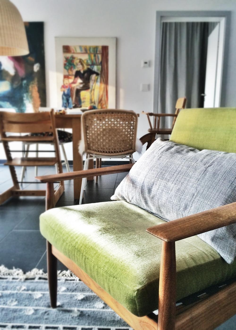 Der Sessel ist eine meiner wenigen Neuanschaffungen: Gefunden über eBay Kleinanzeigen, stammt er aus meiner alten Heimat HH-Ottensen