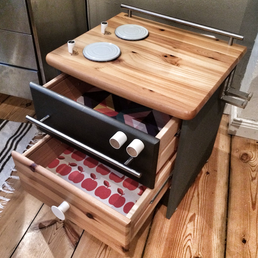 diy spielherd f r eine zweij hrige mirjam otto. Black Bedroom Furniture Sets. Home Design Ideas