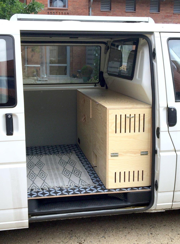 vw bus ausbau my big van conversion mirjam otto raumkunst und innenr ume innenarchitektur. Black Bedroom Furniture Sets. Home Design Ideas