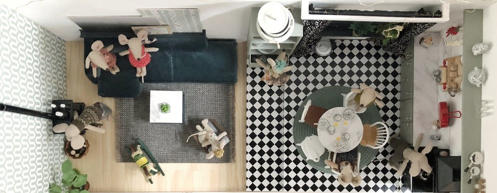 Von  oben :Wohnzimmer und Küche im Erdgeschoss
