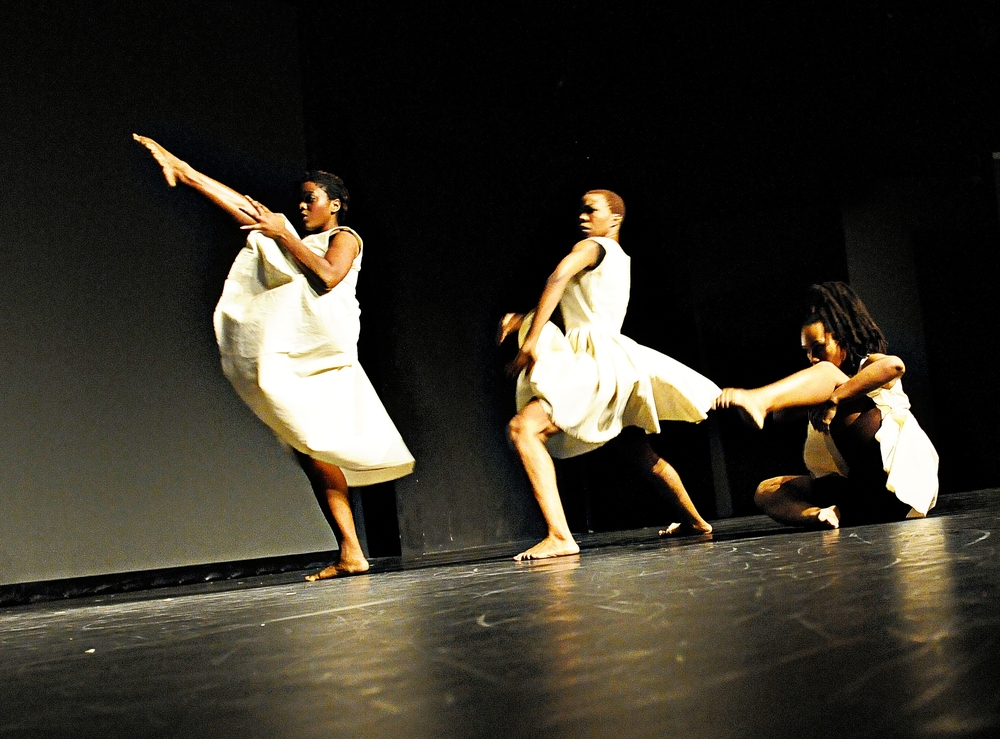 TroubleFree (2012), Dancers: Anika Marcelle, Jillene Forde, Tracey Lucas, Dance Show: COCO Dance Festival 2012, Photography: Karen Johnstone, Location: Little Carib Theatre, Port-of-Spain - Trinidad