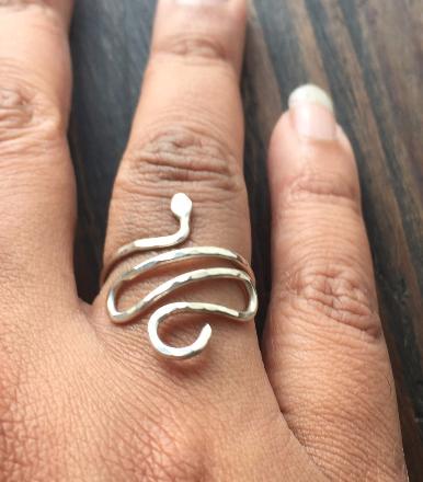 snake ring2.png