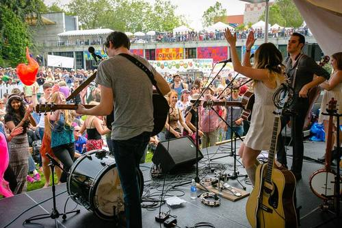 Live at Northwest Folklife Festival 2014 (by Christopher Nelson)