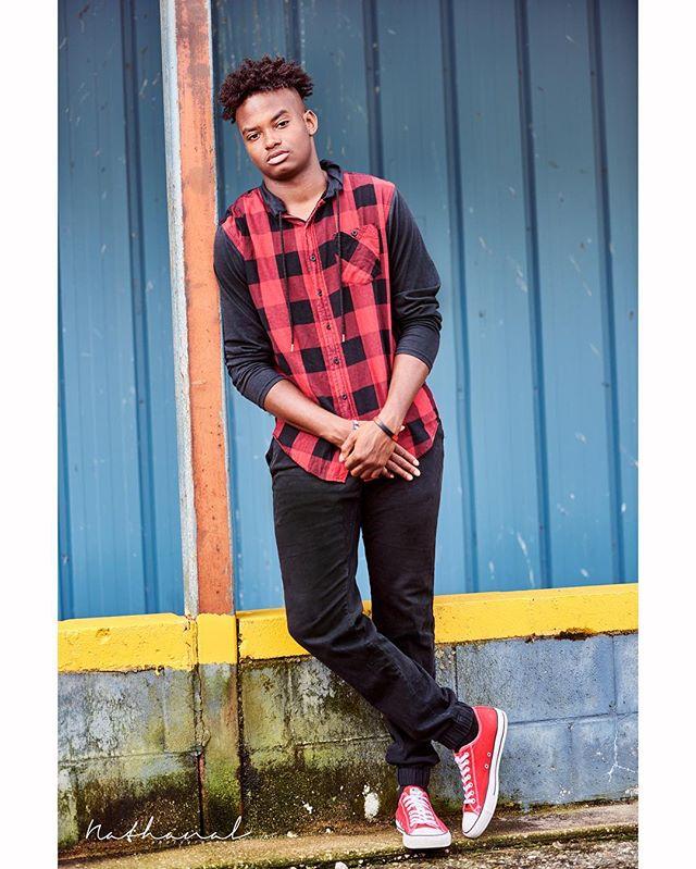 #senior #classof2018 #grads #highschool #photography #nikon #portrait #lifestyle #photoshoot #seniorpictures #editorial #fashion #detroit #detroitphotographer #michigan #stillgotit