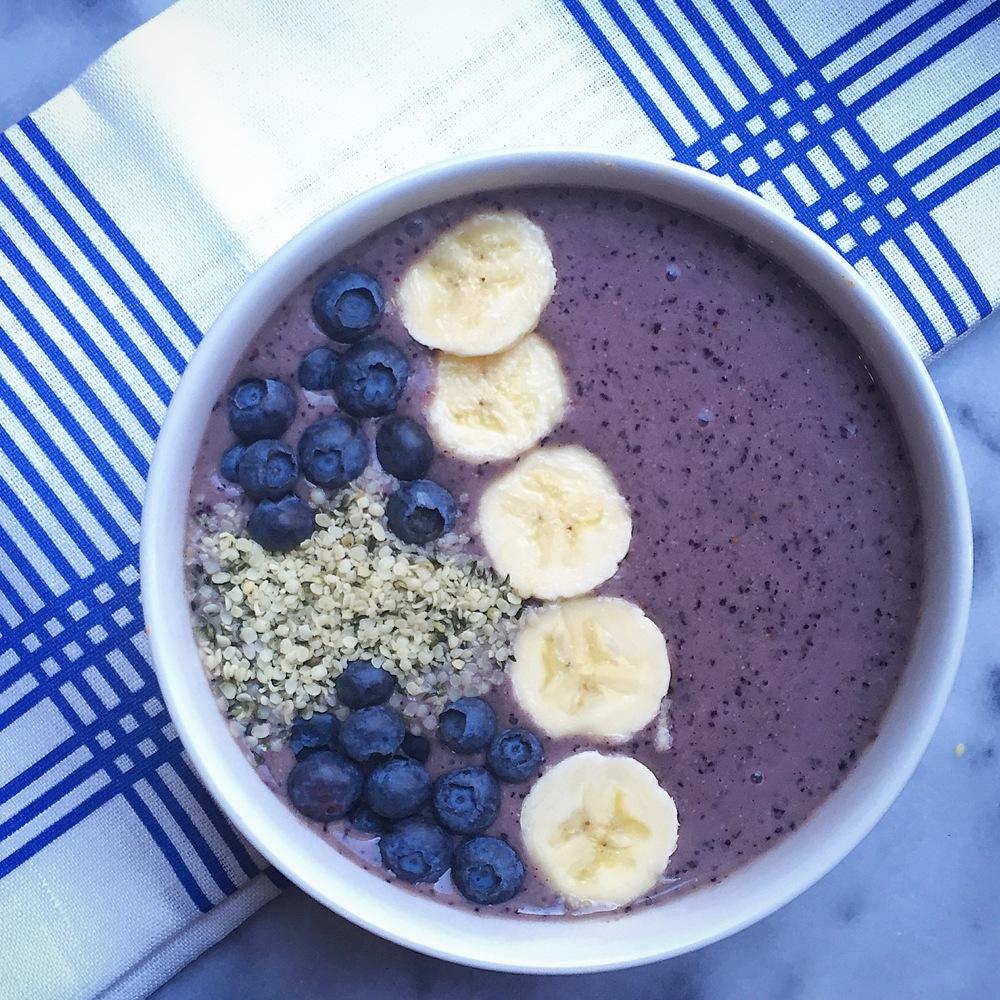 smoothie bowl, blueberry, cranberry, banana