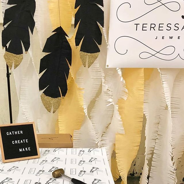 Bravo to @teressalanejewelry and her pals for crafting this gorgeous backdrop in our onsite workroom yesterday! You can check it out the @queenbeemarket today, or this weekend at @theforummakersmarket or @orfilavineyards
