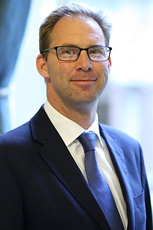 Tobias_Ellwood_MP.jpg