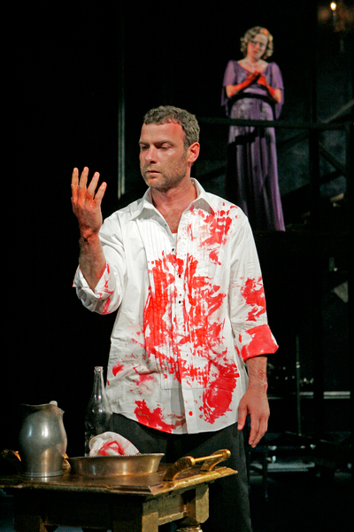 Macbeth  by William Shakespeare, directed by Moises Kaufman, starring Liev Schreiber and Jennifer Ehle, The Public Theater, New York, NY. 2006 © Michal Daniel.