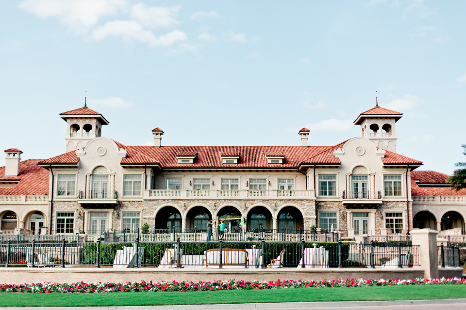 Image of the outside of TPC Sawgrass golf club in Ponte Vedra, Florida