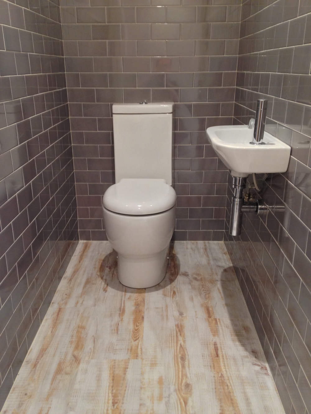 Bathroom fitters sheffield bwi bathrooms with integrity for A c bathrooms sheffield