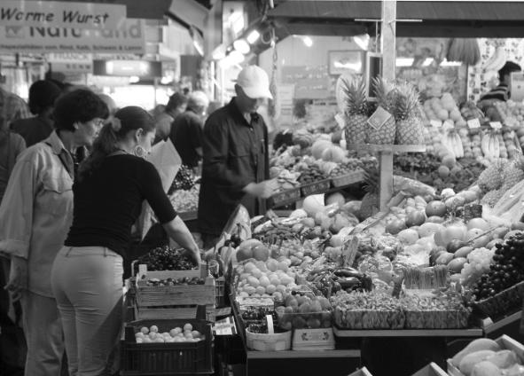 market_stall b&w.jpg