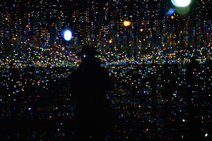 Infinity-Mirrored-Room-Yayoi-Kusama%E2%80%99s-installation-at-David-Zwirner-Gallery-Who-Have-Arrived-in-Heaven11.jpg