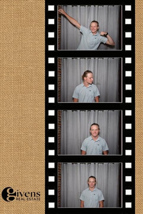 Booth_05_web.jpg