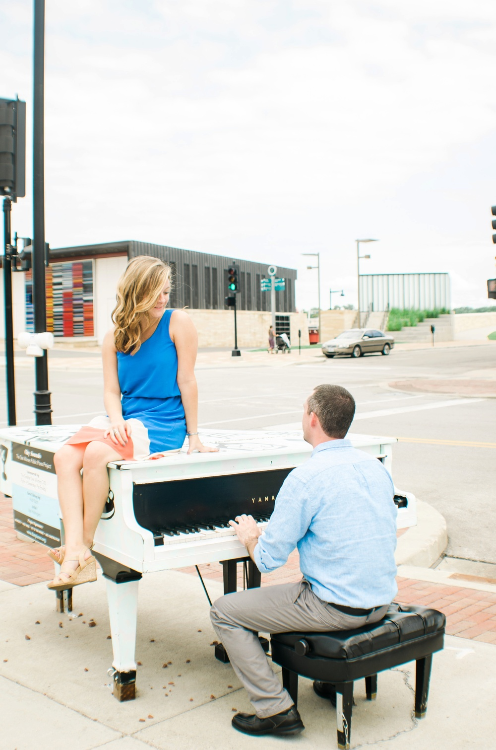 Downtown Des Moines Engagement | Minneapolis Wedding Photographer Ali Leigh Photo_0432.jpg