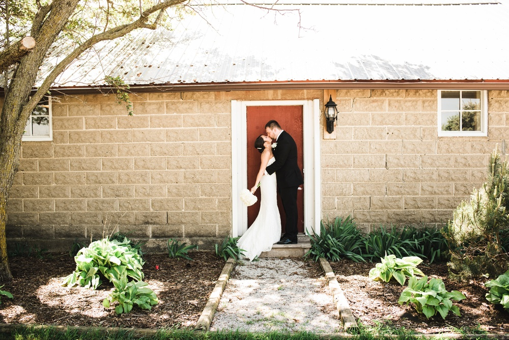 Rustic Rose Barn Roland Iowa Wedding_2457.jpg