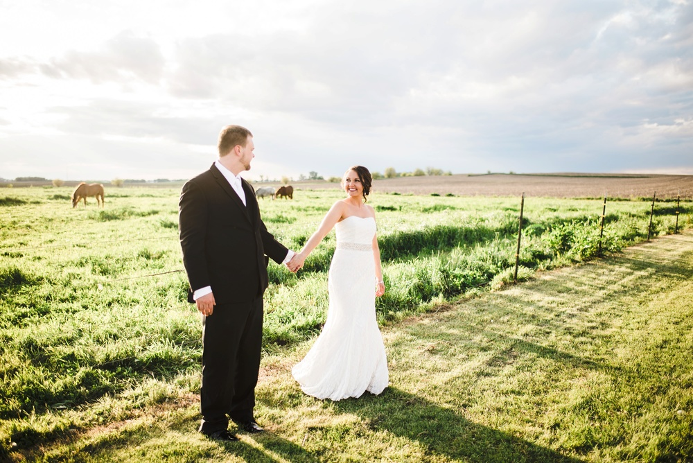 Rustic Rose Barn Roland Iowa Wedding_2505.jpg