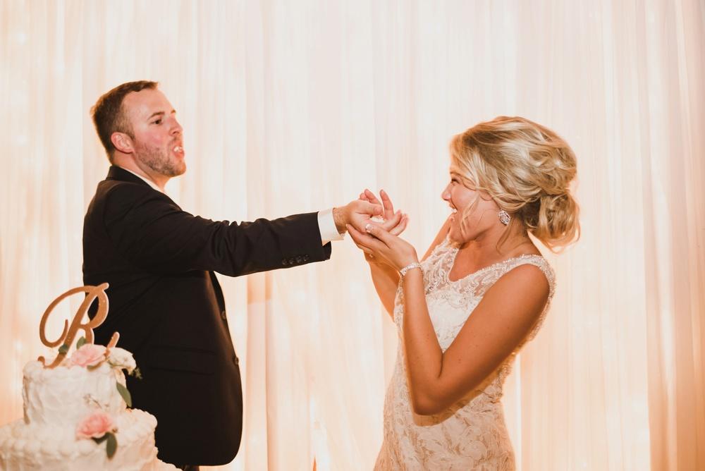 Appleton Wisconsin Wedding Photographer_3057.jpg