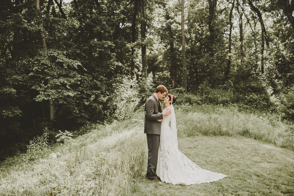 Eclectic Garden Celebration Farm Wedding Wisconsin Photographer_3227.jpg