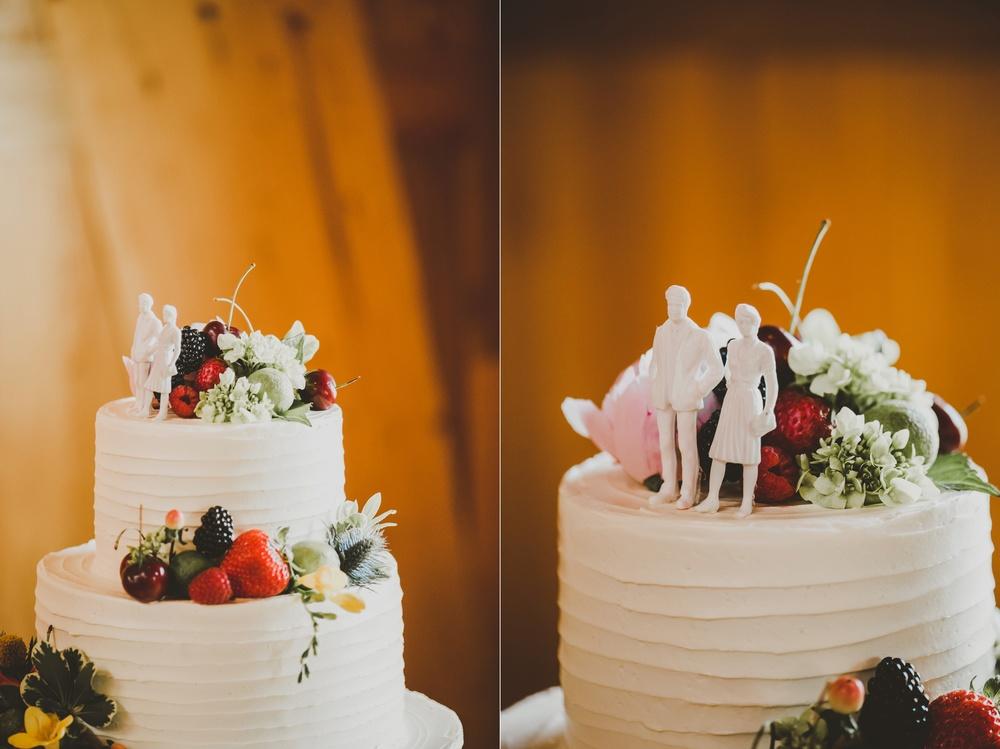 Eclectic Garden Celebration Farm Wedding Wisconsin Photographer_3231.jpg